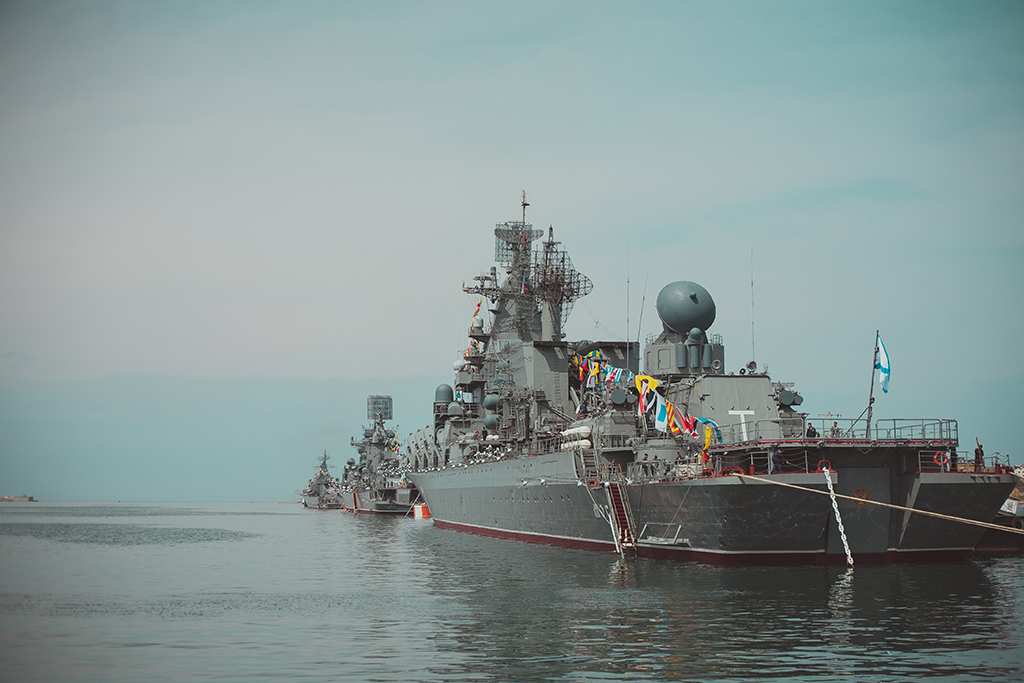 Крейсер Москва на 9 Мая в Севастополе
