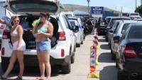Очереди на переправе почти нет. В порту «Крым» десять машин