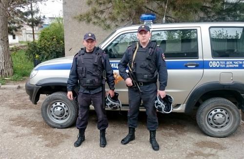 В г. Джанкое сотрудники вневедомственной охраны Росгвардии задержали по горячим следам гражданина, подозреваемого в уличном грабеже