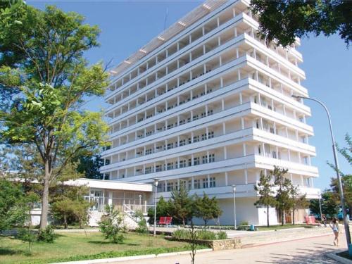 Евпаторийская горадминистрация предлагает ввести льготы или компенсации круглогодичным санаториям и покрывать реабилитацию за счет ОМС