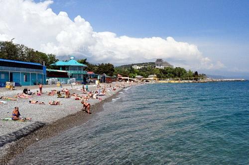 В Алуште 34 пляжа получили положительные заключения о безопасности