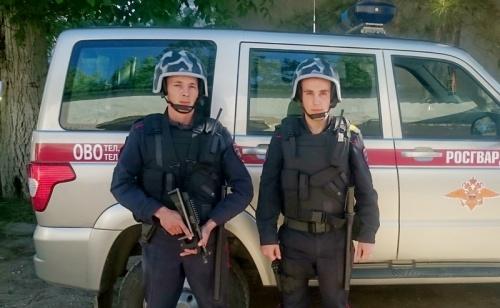 В г. Джанкое сотрудники Росгвардии совместно с оперуполномоченными уголовного розыска полиции задержали по горячим следам подозреваемого в убийстве мужчины