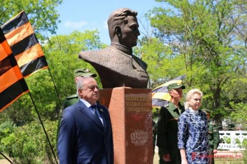 В Аджимушкае открыли памятник разведчику Мамсурову