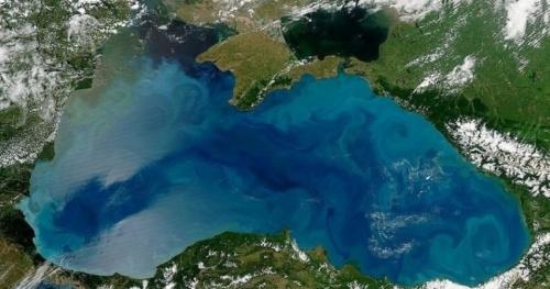 В NASA заявили, что Черное море поменяло цвет
