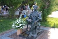 В Ялте возложили цветы к памятнику Михаила Пуговкина