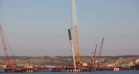 Строители вбили последнюю автодорожную сваю Керченского моста