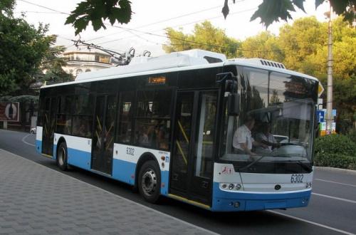 «Крымтроллейбус» начал продажу проездных, в том числе и студенческих