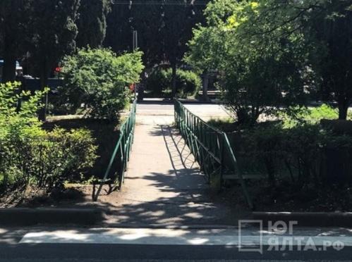 Власти Ялты обещают открыть скандальный мостик к 1 сентября