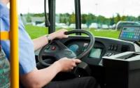 Власти Симферополя официально запретили водителям маршруток курить и материться