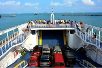 Керченская переправа продложает перевозить свыше 30 тысяч пассажиров в сутки