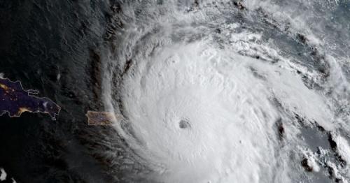 Учёные хотят перестроить планету, чтобы сократить число ураганов