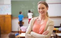 Симферопольским учителям обещают повысить зарплату в 2018 году