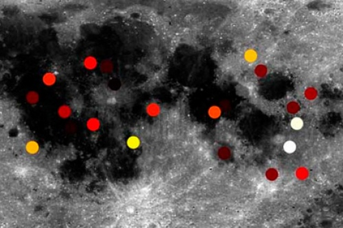 Раскрыто происхождение неизвестных вспышек на Луне
