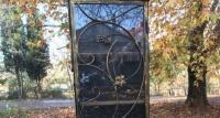 В Севастополе вандалы разбили очередной шкафчик для буккроссинга