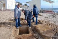 На евпаторийском пляже нашли древнюю могилу