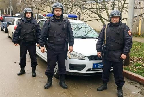 В г. Керчи сотрудники вневедомственной охраны Росгвардии задержали подозреваемую в краже товара из супермаркета