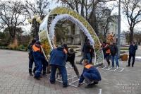 В Евпатории появилась новогодняя арка
