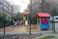 В Ялте на улице Найденова открылась новая детская площадка