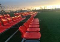 На футбольном поле в Керчи уже установили трибуны и мачты