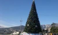 Огни на главной ёлке Ялты зажгут 19 декабря