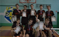 В Керчи прошли школьные соревнования по волейболу