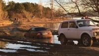 В районе Симферополя машина утонула в луже