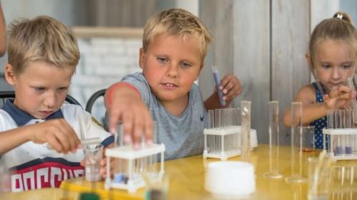 Детский центр досуга и развития «Умка» отеля «Ялта-Интурист» приглашает на уникальные мастер-классы