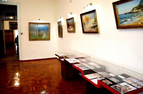 В Евпаторийском краеведческом музее представлена выставка, посвященная номинантам на городскую премию имени С.Э.Дувана