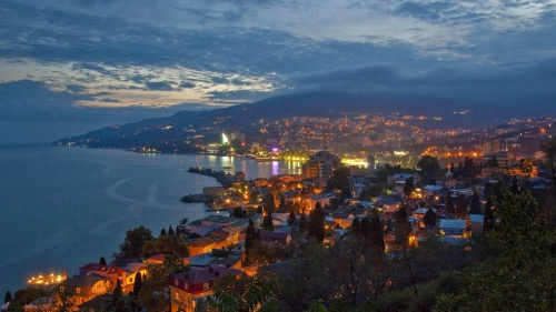 В Крыму назвали среднюю зарплату в курортной сфере