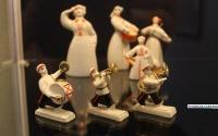 В картинной галерее Керчи показывают фарфоровые статуэтки из частной коллекции