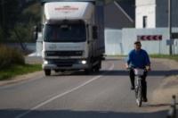 Под Керчью две опасные дороги закроют для грузовиков