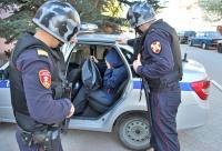 В Симферополе сотрудники вневедомственной охраны Росгвардии задержали подозреваемую в краже колбасных изделий и средств личной гигиены
