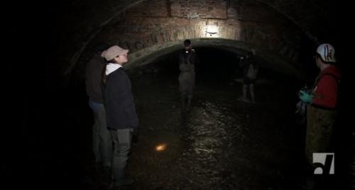 Власти Симферополя обследуют бетонные русла подземных рек под автодорогами