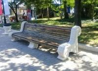 На Малаховом кургане в Севастополе восстановили исторические скамьи