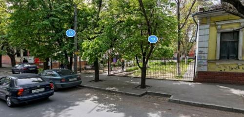 Администрация освободила здание в центре Симферополя, выселив из него школьников и караимов
