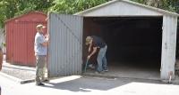 В Симферополе начался массовый снос незаконных гаражей
