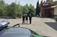В Алупке сотрудники вневедомственной охраны Росгвардии задержали подозреваемых в краже элитного алкоголя