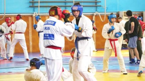 Молодёжная сборная России по рукопашному бою тренируется в Алуште