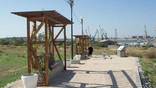 В Севастополе создали новый античный сквер