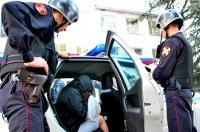 В г.Симферополе росгвардейцы задержали подозреваемую в краже