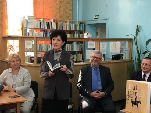 "В Ялте прошла акция ""Подари книгу библиотеке"""