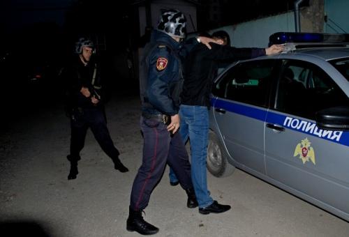В Симферополе росгвардейцы задержали мужчину и женщину, которые подозреваются в кражах из супермаркетов