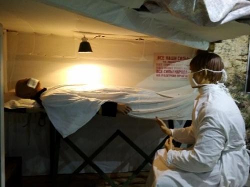 Выставка о врачах второй обороны открылась на 35-й батарее