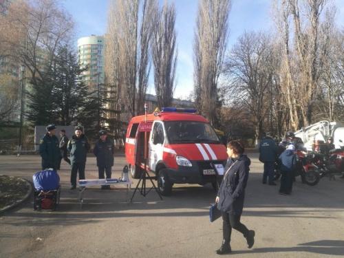 В Гагаринском парке Симферополя прошел пожарно-спасательный флешмоб