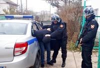 В г. Евпатории сотрудники вневедомственной охраны Росгвардии задержали подозреваемого в уличном грабеже