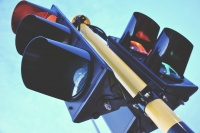 Служба автодорог Крыма установила 17 новых светофоров в нескольких регионах полуострова
