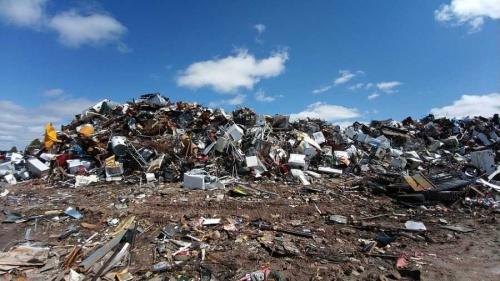 Условия труда на мусорном полигоне Севастополя значительно улучшены