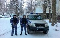 В г.Армянске сотрудники вневедомственной охраны Росгвардии нашли ушедшую из дома девочку
