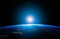 Атмосфера Земли простирается дальше, чем мы привыкли считать — за орбиту Луны