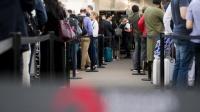 Аэропорт Симферополя пока не готов обслуживать пассажиров с электронными посадочными талонами
